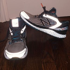 NEW BALANCE 860V7 running sneakers